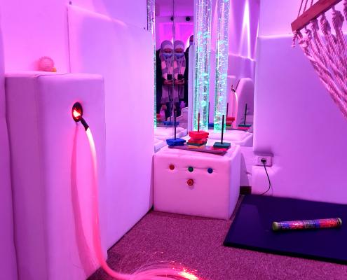 نظام الألياف الضوئية في الغرفة الحسية آيرس في جمعية رعاية الأطفال في نابلس